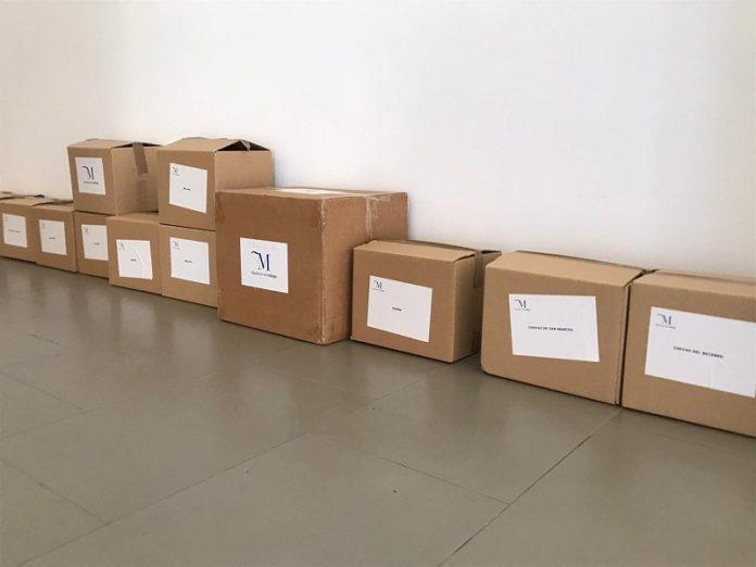 La Diputación también ha sufragado la compra de guantes y gel hidroalcohólico y se ha encargado de distribuir entre los ayuntamientos las mascarillas cedidas por la Junta de Andalucía y el Gobierno central.