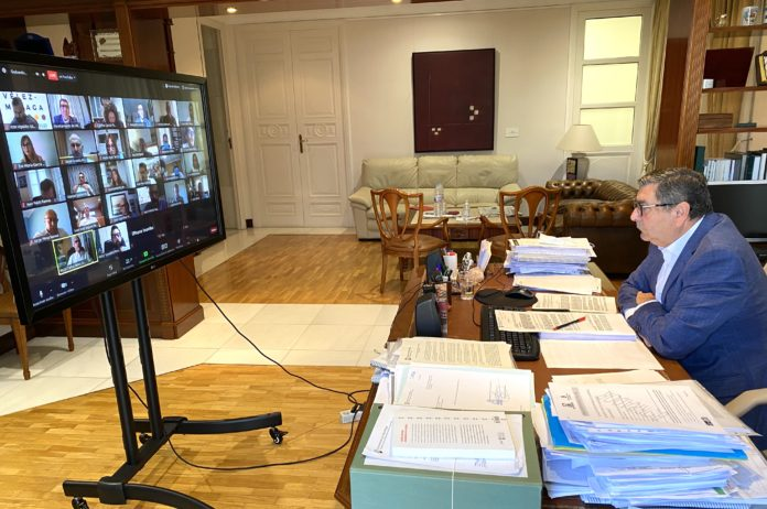 El presupuesto de 2020 del Ayuntamiento de Vélez-Málaga, que asciende a 106 millones de euros, ha sido aprobado tan solo por el gobierno ( PSOE y GIPMTM) mientras que PP y Andalucía Por Sí lo han rechazado.