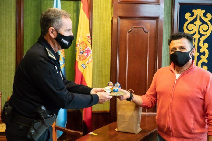 Asociación Cultural de Belenistas de Córdoba reconoce a Nerja