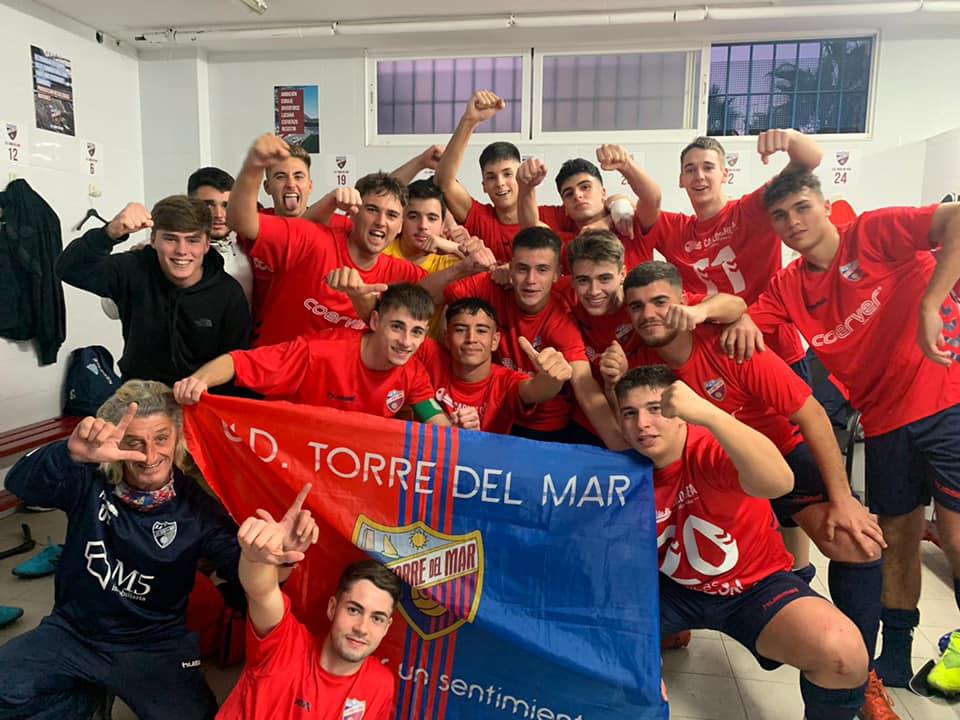Los juveniles de la UD Torre del Mar suman nueva victoria. Los de Torre del Mar han ganado este fin de semana al CD. Nerja con un resultado de 3-2
