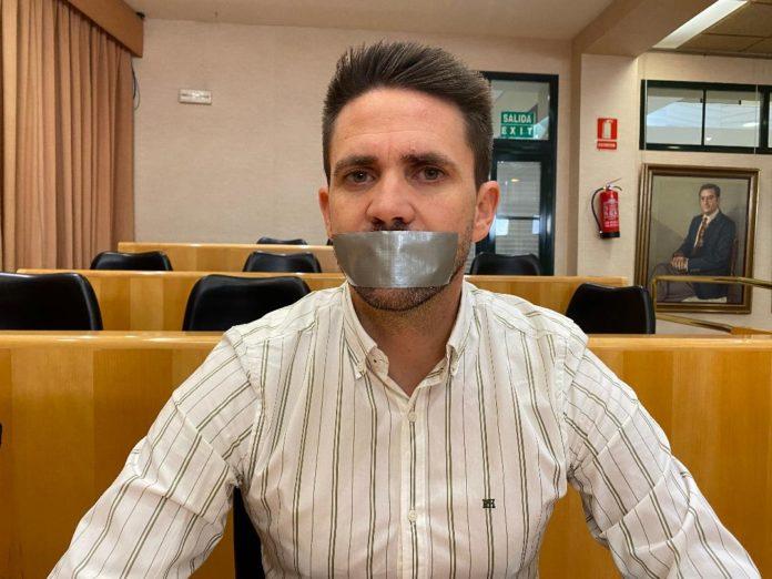 El portavoz de Andalucía por Sí ,José Pino, auncia una encuesta en Vélez-Málaga