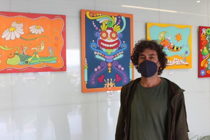 Pablo Berenguer lleva sus dibujos al Hospital Comarcal de la Axarquía
