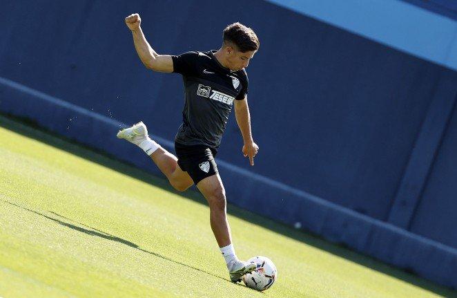 El joven atacante malaguista tiene previsto adelantar su llegada a Málaga durante la presente semana.