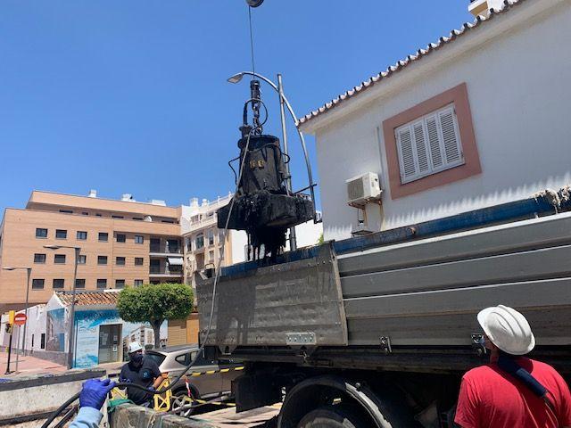 Esta actuación de mantenimiento ha conllevado, entre otros trabajos, la sustitución de tres colectores de impulsión y de la limpieza del foso de bombas.
