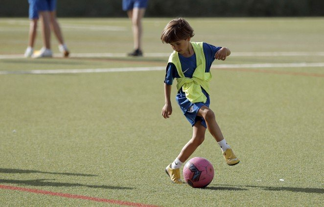 El campamento de fútbol para pequeños comenzará en dos semanas en Málaga.