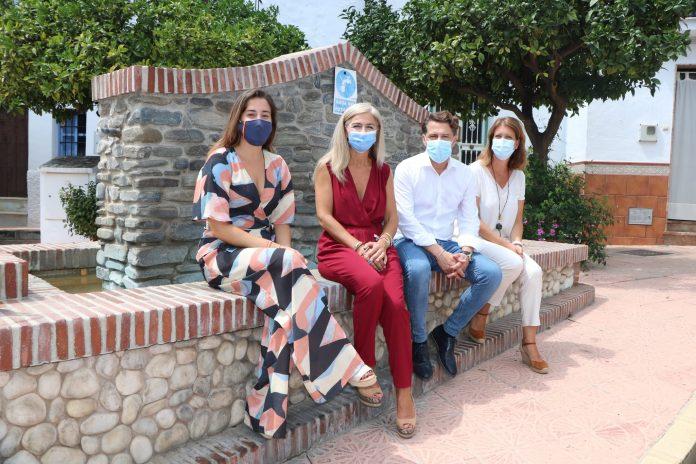 La consejera de Cultura y Patrimonio Histórico, Patricia del Pozo, ha visitado el Ayuntamiento de Torrox.