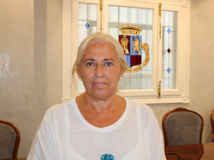 """La concejala de Salud, Ana Pérez, afirma que el objetivo de este proyecto, llevado a cabo por el Sistema Nacional de Salud, es """"coordinar acciones y crear un marco en el que trabajar por la salud se asuma como una tarea de toda la ciudadanía del municipio""""."""
