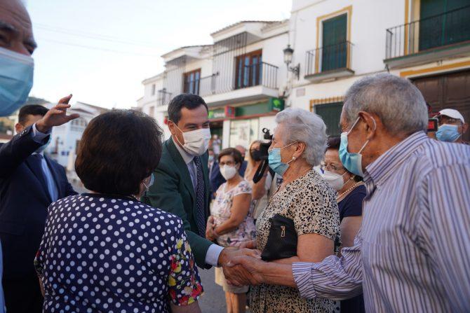 El presidente de la Junta de Andalucía, Juanma Moreno, visita Riogordo