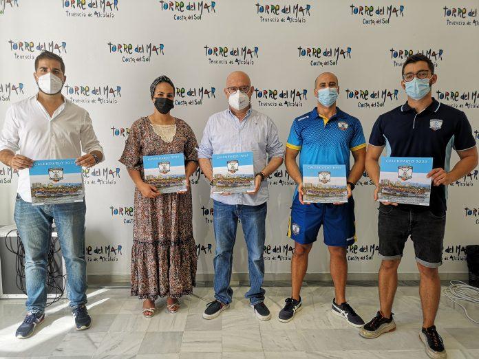 Club de Remo Faro de Torre del Mar presenta un calendario solidario