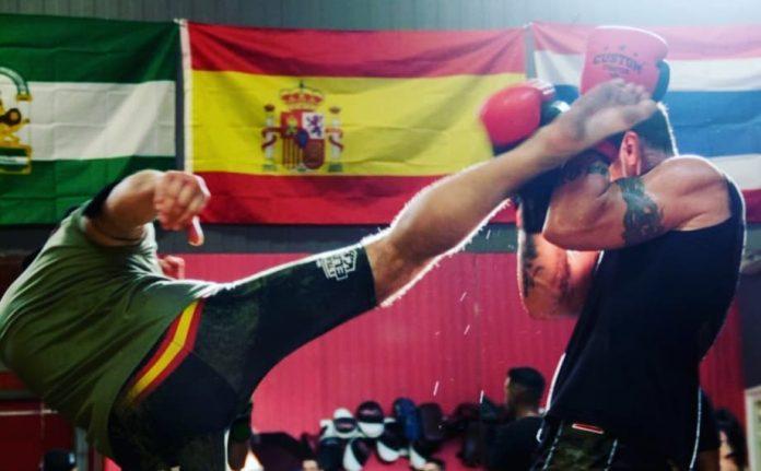 kick boxing en Rincón de la Victoria de la mano del campeón mundial Lorenzo Javier Jorge.