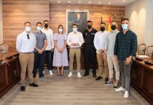 El alcalde y la concejala de Policía han recibido a los agentes que ingresan en la Escuela de Formación de la Junta de Andalucía.
