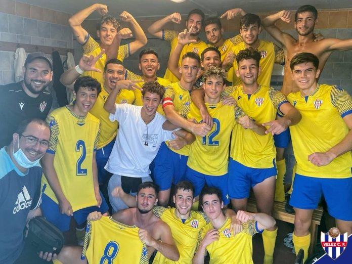 Vcitoria para los dos equipos Senior del Vélez.